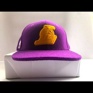 Brand New w/o Tags Los Angeles Lakers SnapBack